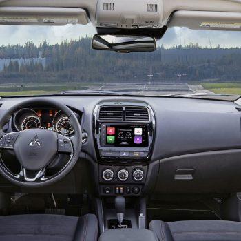 תמונה של רכב מיצובישי אאוטלנדר יוצא ממרכז שירות מיצובישי