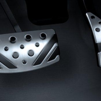 תמונה של גז וברקס ברכב מיצובישי במרכז שירות מיצובישי